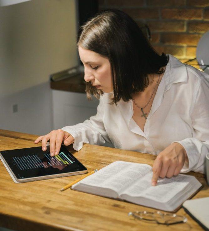 bibliatanulmányozás-biblia felfedező programmal
