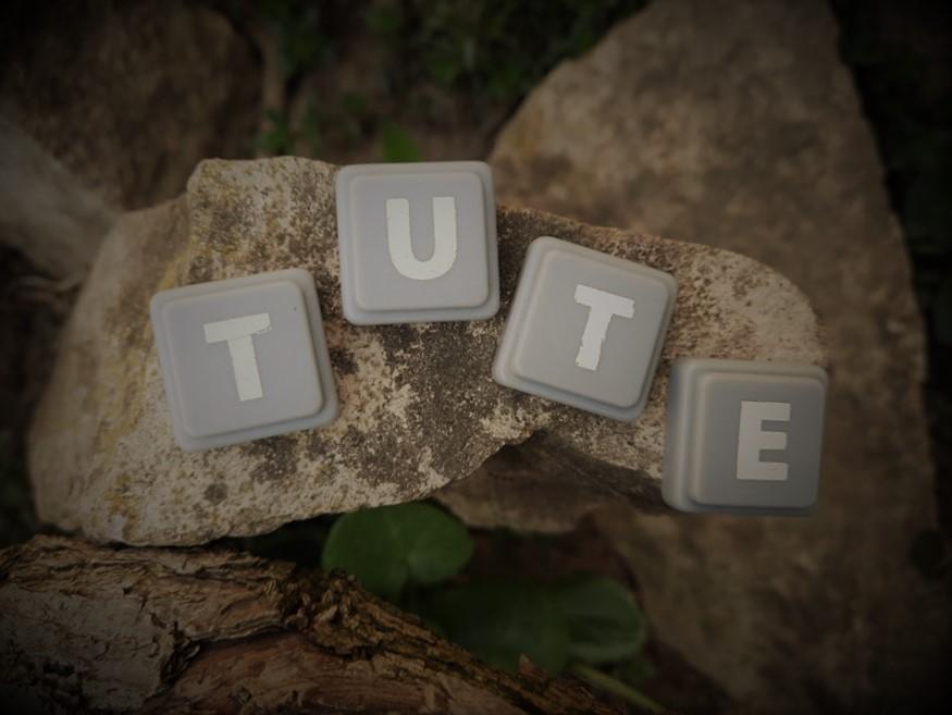 Tute- tudni, tenni, megélni amit a Biblia mond
