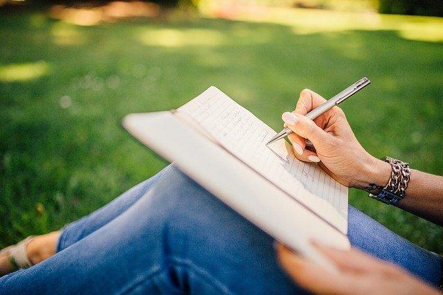 Könyvírás, elhívás, misszió