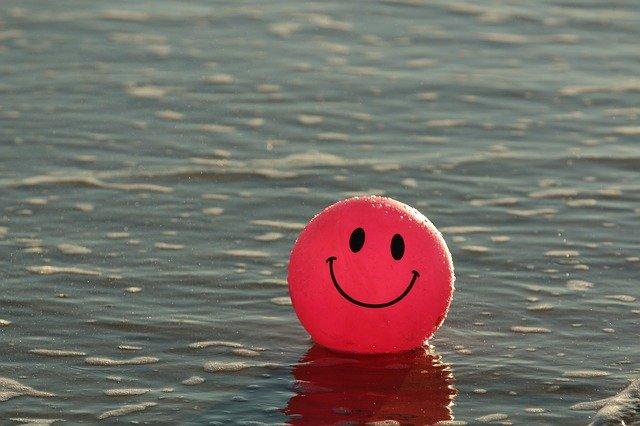 A dicséret hatása a mosoly