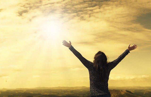 Dicsérd Istent imádsággal, énekkel, az életeddel